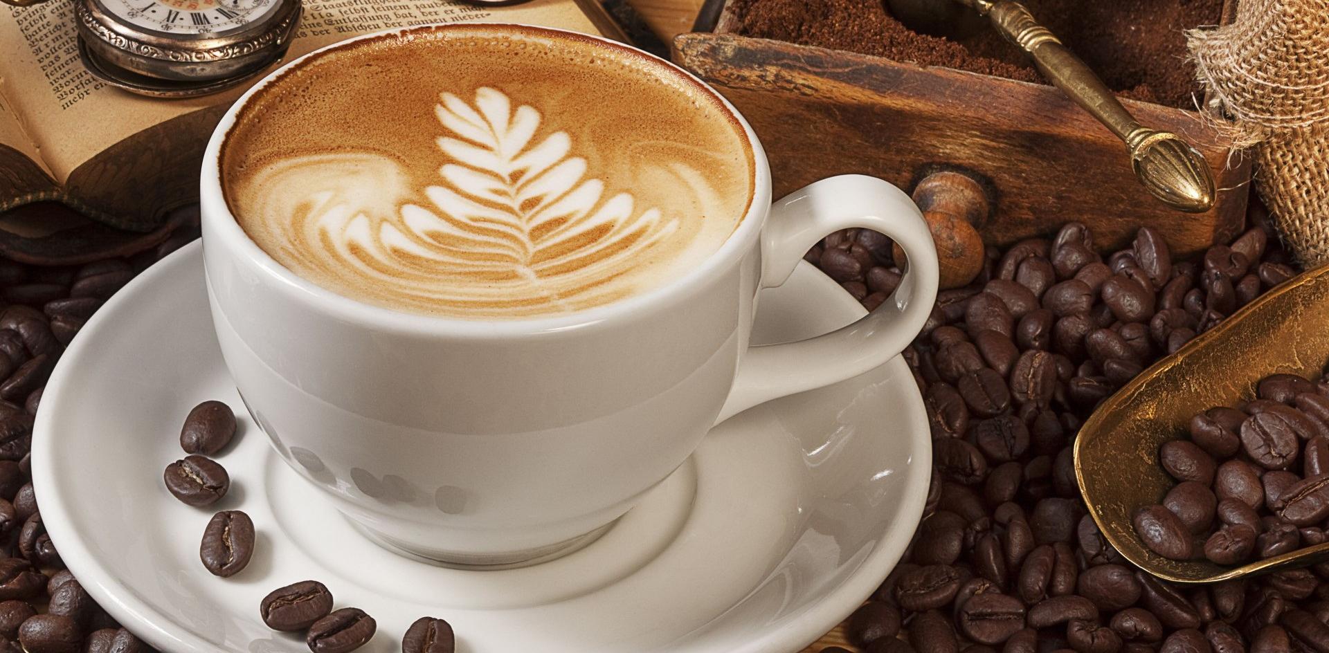 caffe latte hamburg öffnungszeiten